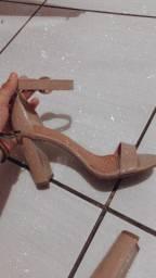 Roupas e calçados Seminovos