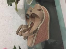Linda sandália da Carmen Steffsns