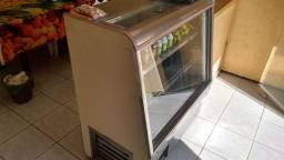 Freezer expositor gelado.