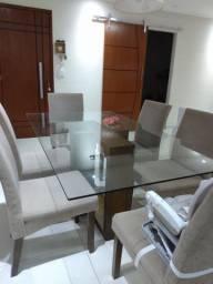 Mesa de jantar (cadeiras não inclusas)