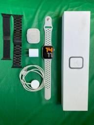 Apple Watch 4 - 44mm - Prata - Relogio