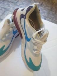 Tênis Nike react 270