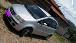 Ideia 2006..Vendo ou troco em Nissan Sentra