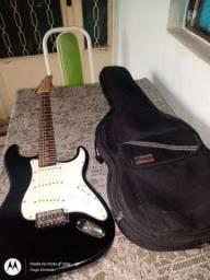 Guitarra sem defeito nenhum!