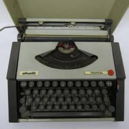 Máquina de datilografia Olivetti Tropical