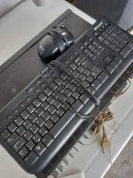 Conjunto Kit Mouse e Teclado Microsoft com Fio