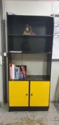 Armário de Livros