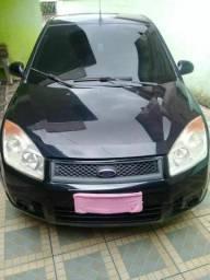 Fiesta Sedan Completo c/GNV