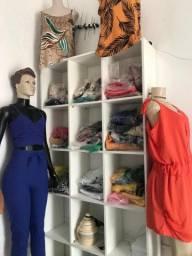 Vendo roupas com manequim