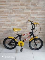 Bicicleta aro 16 da hotwheels