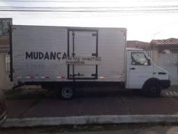 Troco por caminhão baú maior