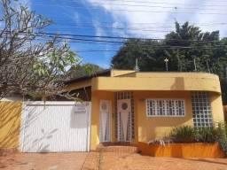 Linda casa com piscina no bairro Itanhangá Park