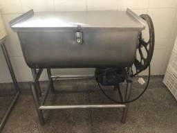 Batedeira de carne 80 kg