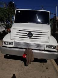 Camiao Mercedes 16 18