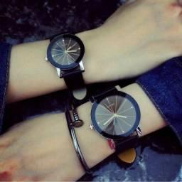 Título do anúncio: Relógio de Pulso Geométrico com Pulseira de Couro Masculino feminino