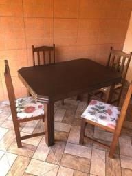 Mesa 4 cadeiras, assento almofadados
