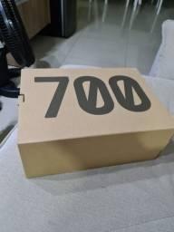 Adidas Yeezy 700 V3 - kyanite