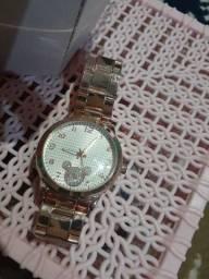 Relógio novo.