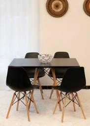 Conjunto de mesa estilo eiffel quadrada  4 cadeiras