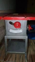 Maquina de bancada de serra