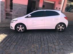 Vendo Onix LTZ 2017 , carro de procedência , estepe nunca rodou !!!!!!