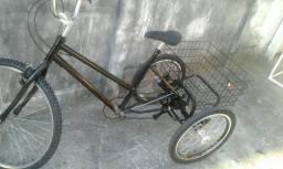 Triciclo com marcha novo em até 12x no cartão