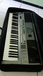 Yamaha PSR 443