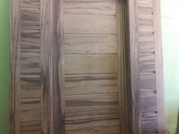 Porta grande madeira cinzeira largura 1.74 altura 2.10