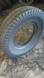 Vendo pneu 1000/ 20
