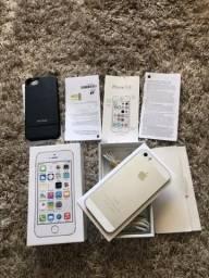 IPhone 5S branco com prata 16GB, completo na caixa!