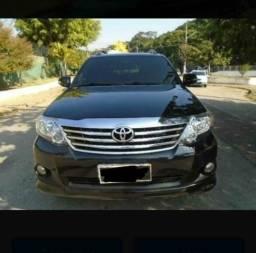 Toyota hilux 2.7 sr 4x2 16 v flex hp automático - 2012