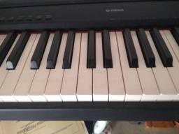 Piano Yamaha P95 B c/pedal FC4 e fonte