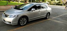Vendo ou troco Honda civic , completo, automático ano 2011, financio
