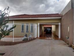 8324 | Casa à venda com 3 quartos em PARQUE DAS LARANJEIRAS, MARINGÁ
