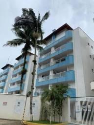 Apartamento pé na areia na praia da Enseada, 2 dorm sendo 1 suite, piscina