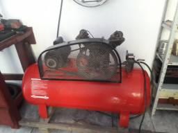 Compressor 140 LBF, 175 litros . 3 HP