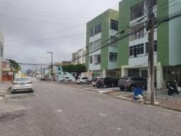 Aluga-se Apartamento no Edf. Maria Cristina c/ 2/4, Bairro São José