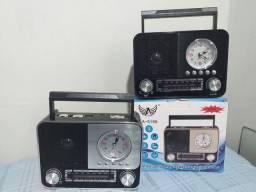 Rádio com relógio completo!