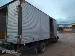 Vendo ou troco  caminhão 8 140 /99