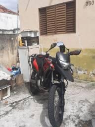 Moto xre troco moto menor cc com volta em dinheiro