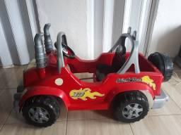 Carrinho com pedal