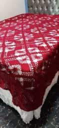 Colchas de Crochê  Branca e Vermelha