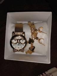 Vendo estás jóias relógio pulseira brinco e bateria