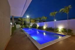 Excelente Casa no Condomínio Bougainville com 4 suítes e 360m²