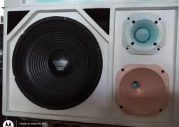 Caixa trio de som