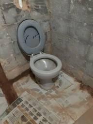 Vendo vaso sanitário e pia