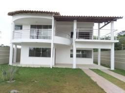 Casa para venda possui 233 metros quadrados com 4 quartos no Village de Porto Seguro - BA