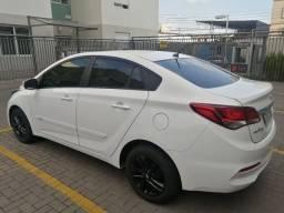 Hyundai HB20 sedan 1.0 baixa kilometragem