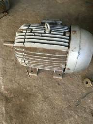 Vendo este motor de 25 cv de alta weg