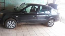 Vendo carro Renaut sedan - 2004